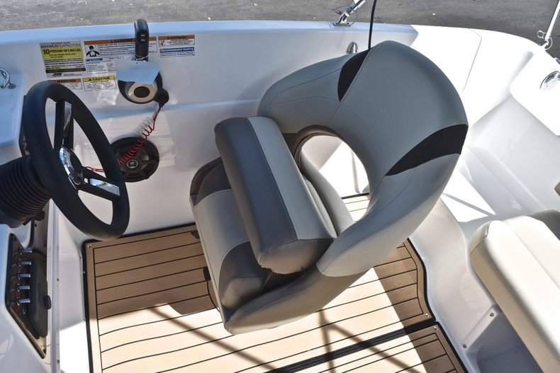 Thumbnail 22 for New 2019 Hurricane 188 SunDeck Sport OB boat for sale in West Palm Beach, FL