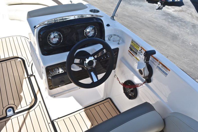 Thumbnail 23 for New 2019 Hurricane 188 SunDeck Sport OB boat for sale in West Palm Beach, FL