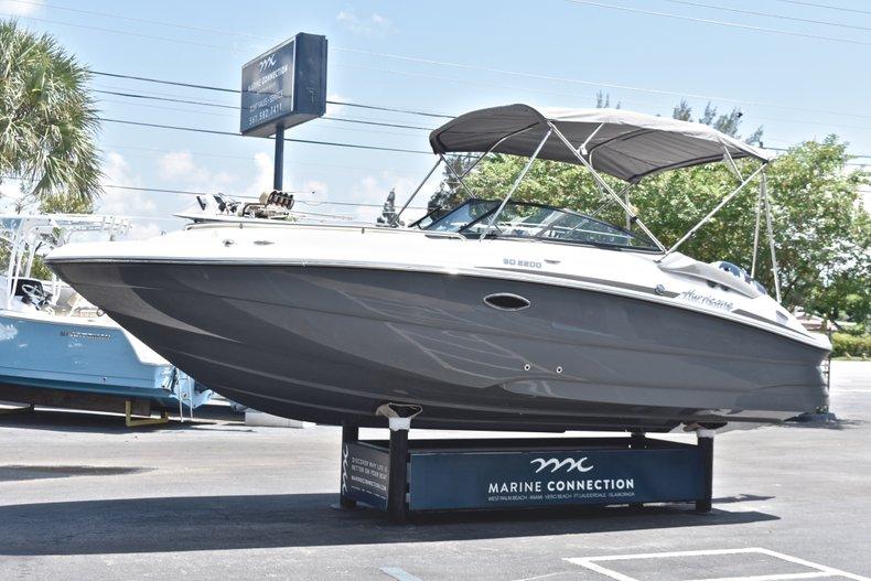 Thumbnail 3 for New 2019 Hurricane SunDeck SD 2200 OB boat for sale in Vero Beach, FL