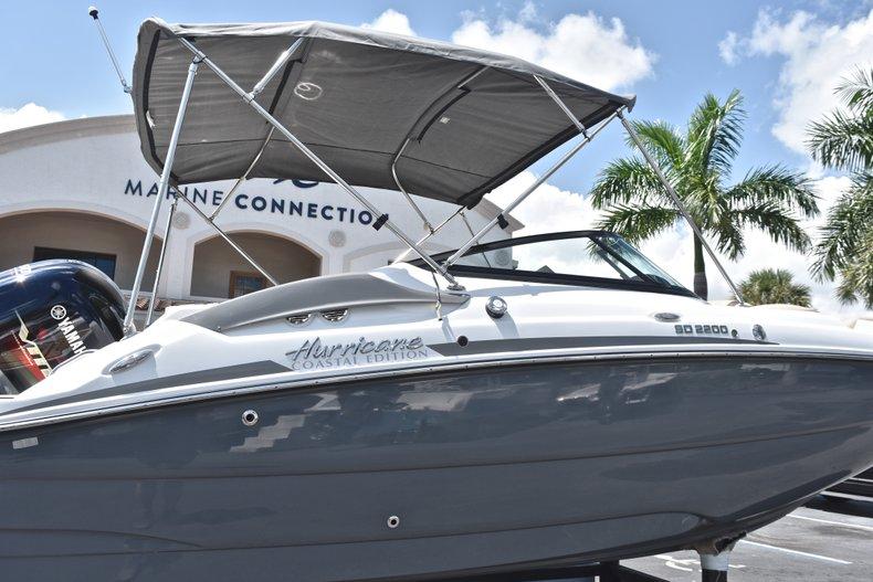 Thumbnail 8 for New 2019 Hurricane SunDeck SD 2200 OB boat for sale in Vero Beach, FL