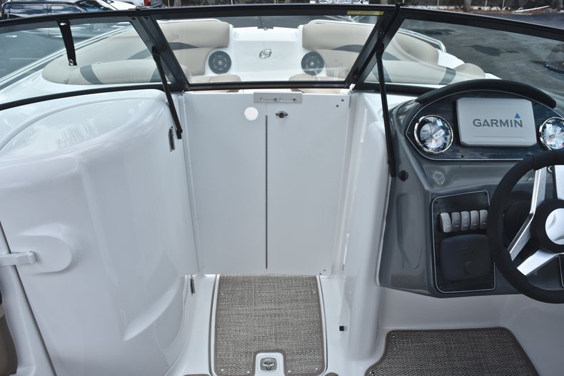 Thumbnail 47 for New 2019 Hurricane SunDeck SD 2200 OB boat for sale in Vero Beach, FL