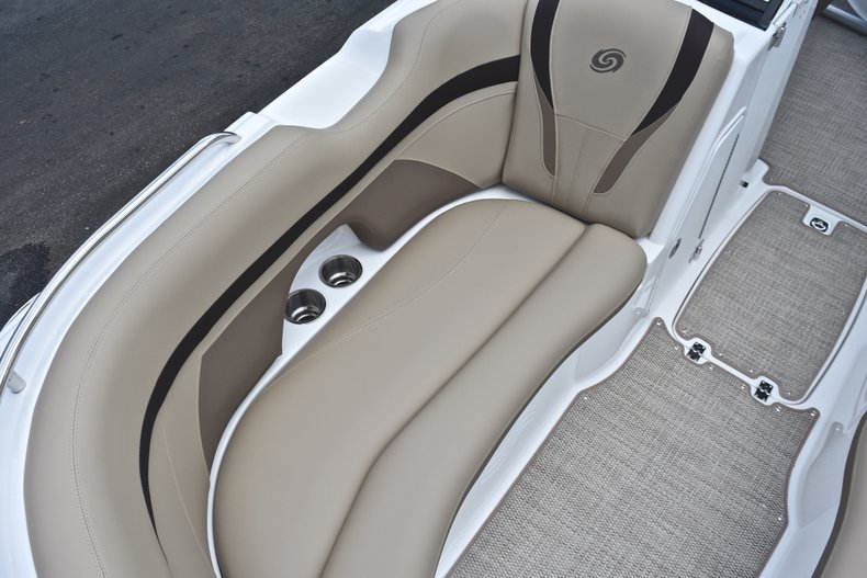 Thumbnail 55 for New 2019 Hurricane SunDeck SD 2200 OB boat for sale in Vero Beach, FL