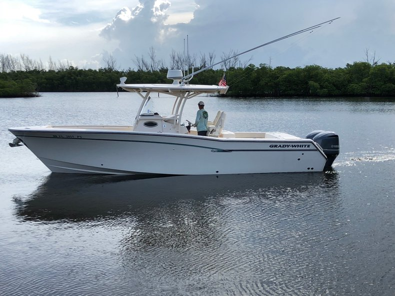 Thumbnail 3 for Used 2016 Grady-White Canyon 306 Center Console boat for sale in West Palm Beach, FL