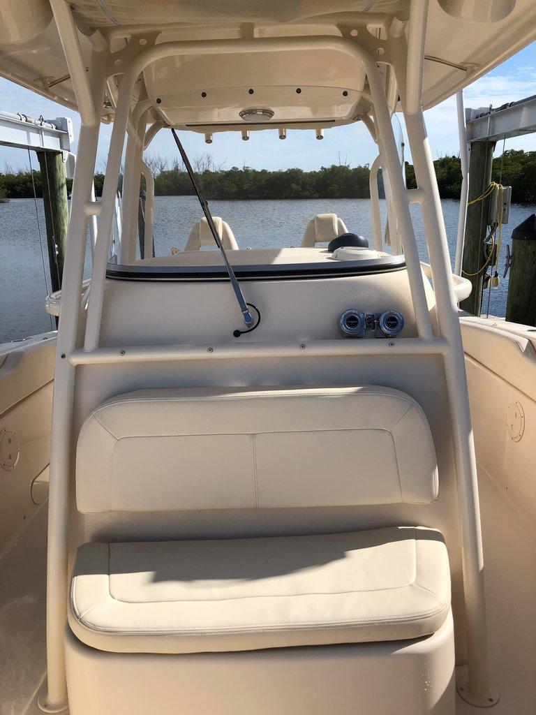 Thumbnail 11 for Used 2016 Grady-White Canyon 306 Center Console boat for sale in West Palm Beach, FL