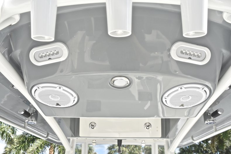 Thumbnail 32 for New 2019 Cobia 240 CC Center Console boat for sale in West Palm Beach, FL