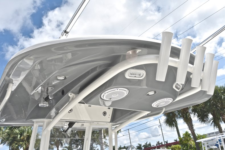 Thumbnail 31 for New 2019 Cobia 240 CC Center Console boat for sale in West Palm Beach, FL