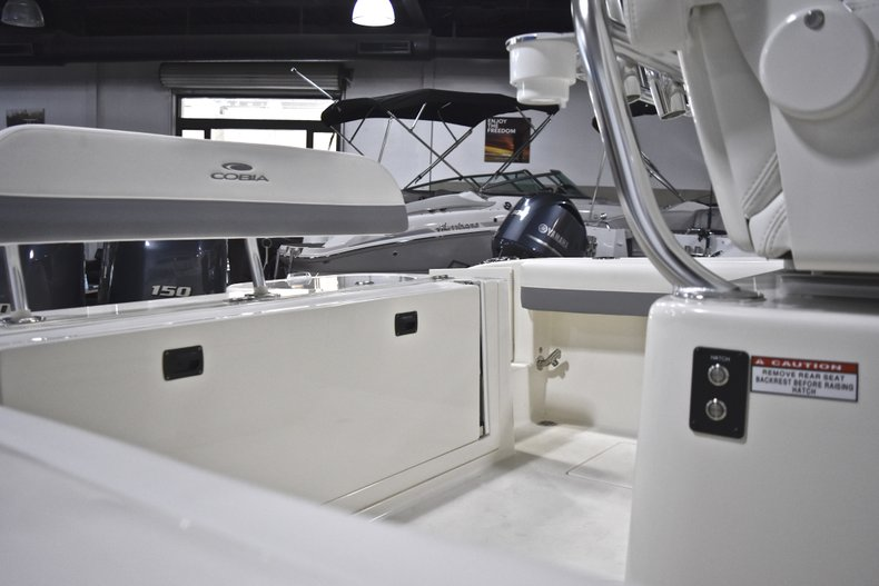 Thumbnail 3 for New 2019 Cobia 261 Center Console boat for sale in Fort Lauderdale, FL