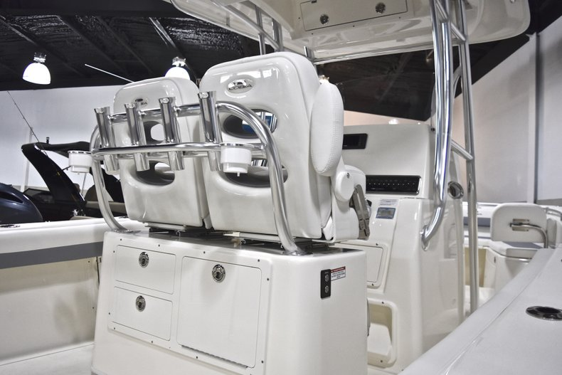 Thumbnail 1 for New 2019 Cobia 261 Center Console boat for sale in Fort Lauderdale, FL