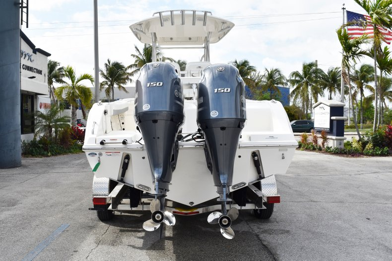 Thumbnail 6 for New 2019 Cobia 261 Center Console boat for sale in Vero Beach, FL