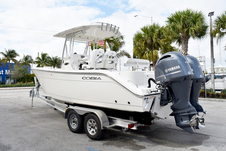 Thumbnail 7 for New 2019 Cobia 261 Center Console boat for sale in Vero Beach, FL