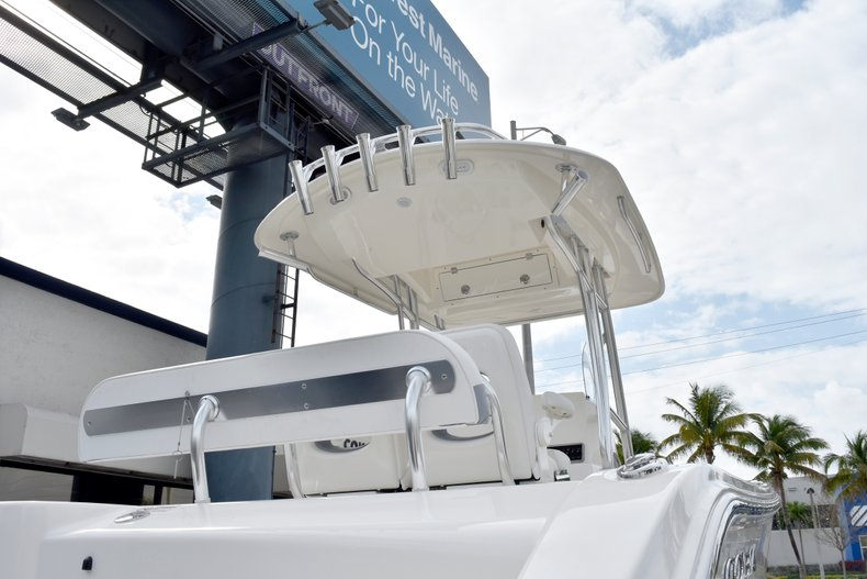 Thumbnail 8 for New 2019 Cobia 261 Center Console boat for sale in Vero Beach, FL