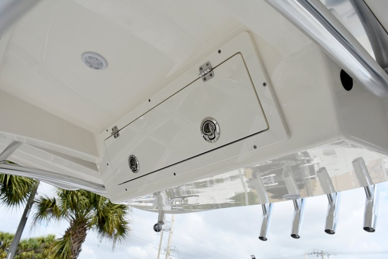Thumbnail 26 for New 2019 Cobia 261 Center Console boat for sale in Vero Beach, FL