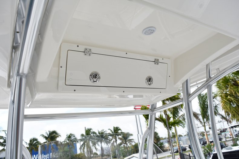 Thumbnail 28 for New 2019 Cobia 261 Center Console boat for sale in Vero Beach, FL