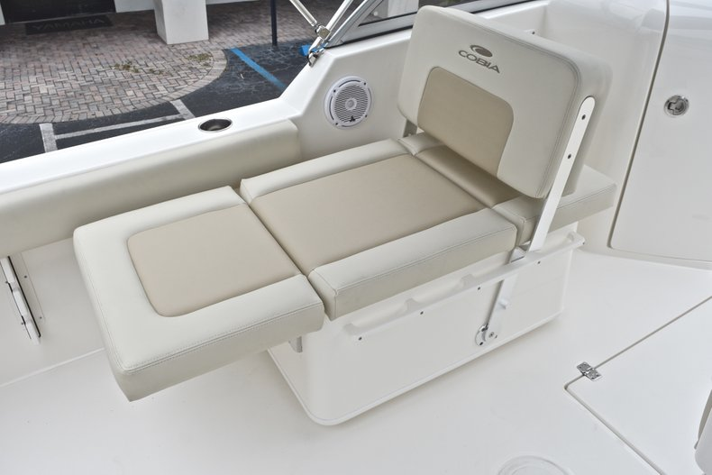 Thumbnail 19 for New 2019 Cobia 220 Dual Console boat for sale in West Palm Beach, FL