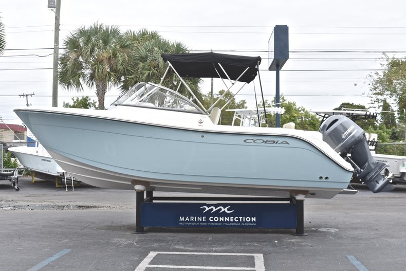 Thumbnail 4 for New 2019 Cobia 220 Dual Console boat for sale in West Palm Beach, FL