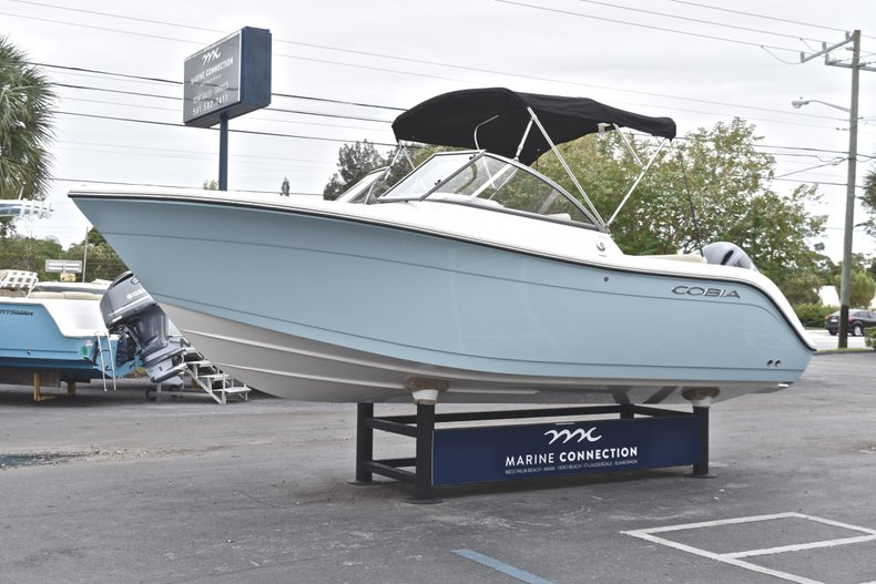 Thumbnail 3 for New 2019 Cobia 220 Dual Console boat for sale in West Palm Beach, FL
