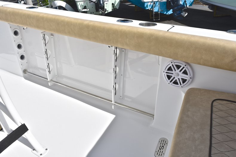 Thumbnail 17 for New 2019 Sportsman Heritage 231 Center Console boat for sale in Islamorada, FL