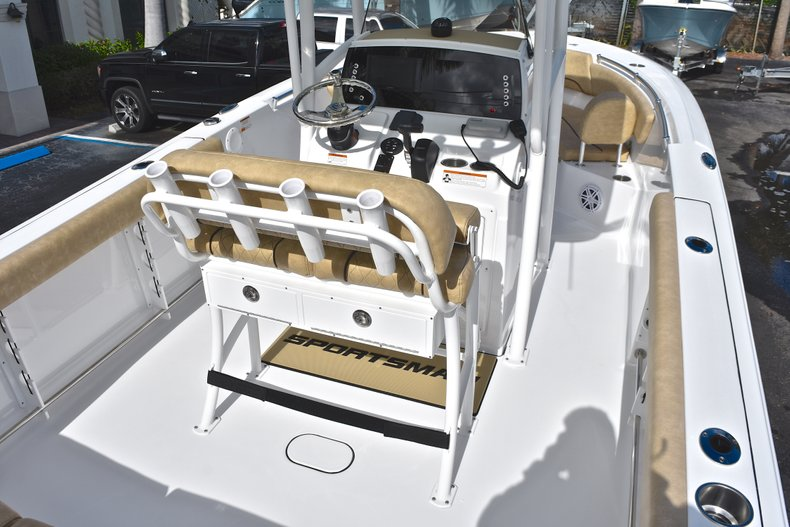 Thumbnail 8 for New 2019 Sportsman Heritage 231 Center Console boat for sale in Islamorada, FL