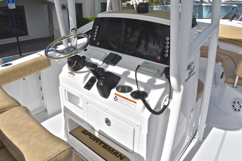 Thumbnail 25 for New 2019 Sportsman Heritage 231 Center Console boat for sale in Islamorada, FL