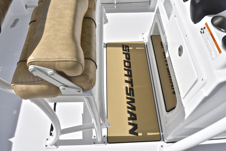 Thumbnail 35 for New 2019 Sportsman Heritage 231 Center Console boat for sale in Islamorada, FL