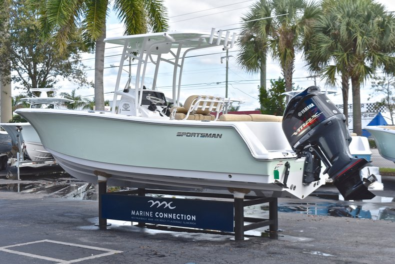 Thumbnail 5 for New 2019 Sportsman Heritage 231 Center Console boat for sale in Islamorada, FL