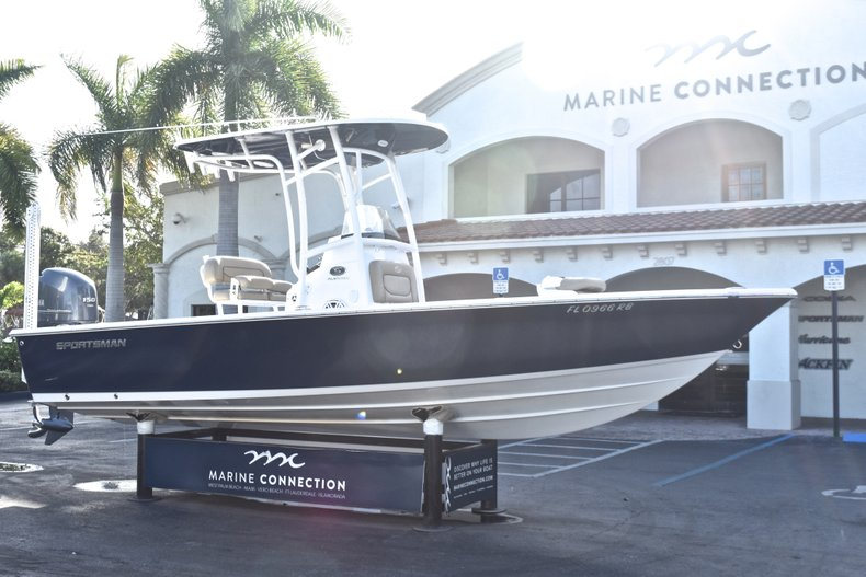 Thumbnail 1 for Used 2015 Sportsman Masters 227 Bay Boat boat for sale in West Palm Beach, FL