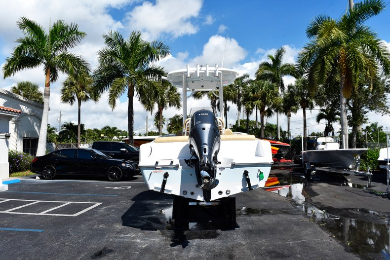 Thumbnail 6 for New 2019 Sportsman Heritage 211 Center Console boat for sale in West Palm Beach, FL
