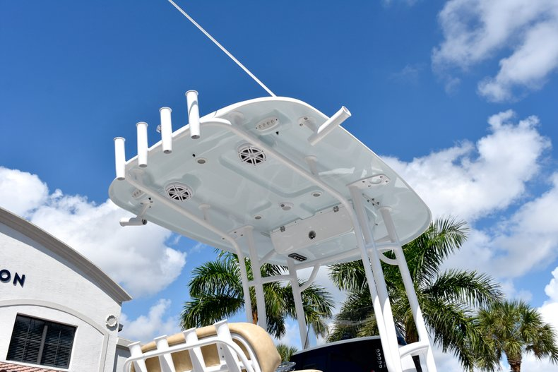 Thumbnail 8 for New 2019 Sportsman Heritage 211 Center Console boat for sale in West Palm Beach, FL