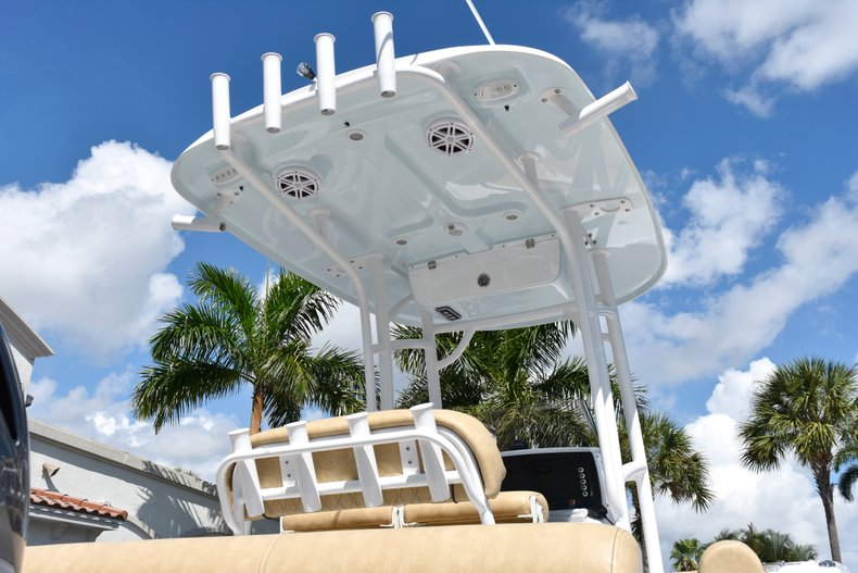 Thumbnail 14 for New 2019 Sportsman Heritage 211 Center Console boat for sale in West Palm Beach, FL