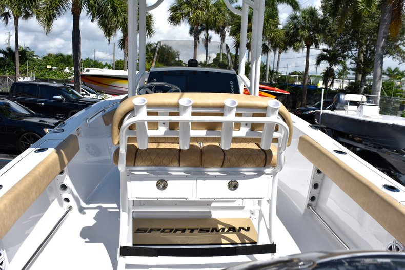 Thumbnail 18 for New 2019 Sportsman Heritage 211 Center Console boat for sale in West Palm Beach, FL