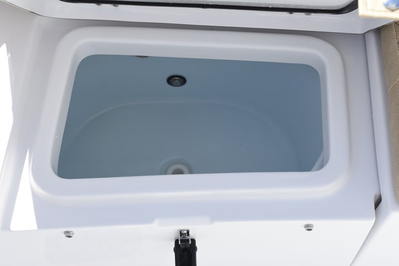 Thumbnail 32 for New 2019 Sportsman Heritage 211 Center Console boat for sale in West Palm Beach, FL
