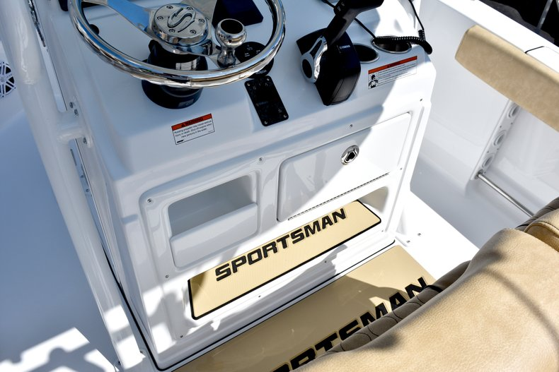 Thumbnail 45 for New 2019 Sportsman Heritage 211 Center Console boat for sale in West Palm Beach, FL