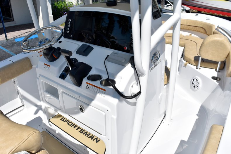 Thumbnail 61 for New 2019 Sportsman Heritage 211 Center Console boat for sale in West Palm Beach, FL