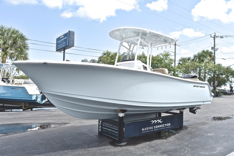 Thumbnail 3 for New 2019 Sportsman Heritage 231 Center Console boat for sale in West Palm Beach, FL