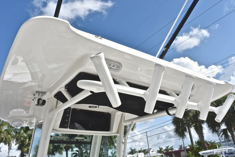 Thumbnail 34 for Used 2016 Boston Whaler 280 Outrage boat for sale in West Palm Beach, FL