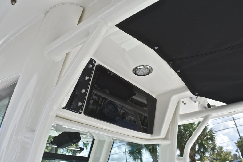 Thumbnail 36 for Used 2016 Boston Whaler 280 Outrage boat for sale in West Palm Beach, FL