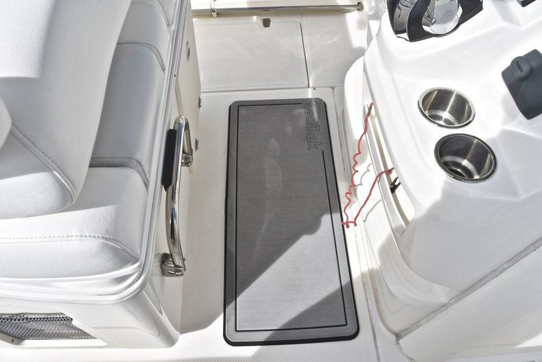 Thumbnail 33 for Used 2016 Boston Whaler 280 Outrage boat for sale in West Palm Beach, FL