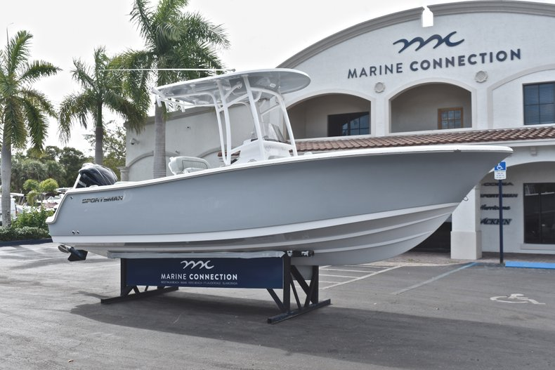 Thumbnail 1 for New 2019 Sportsman Open 232 Center Console boat for sale in West Palm Beach, FL