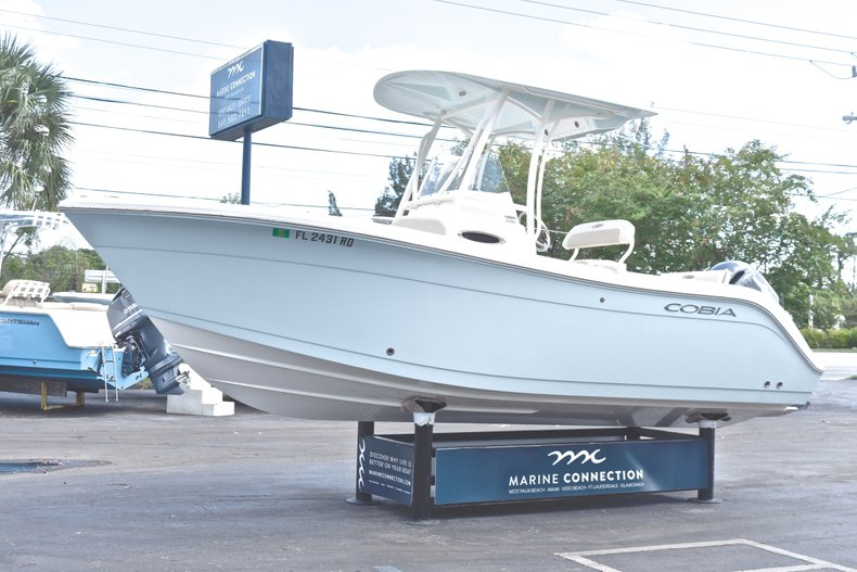 Thumbnail 3 for Used 2016 Cobia 220 Center Console boat for sale in West Palm Beach, FL