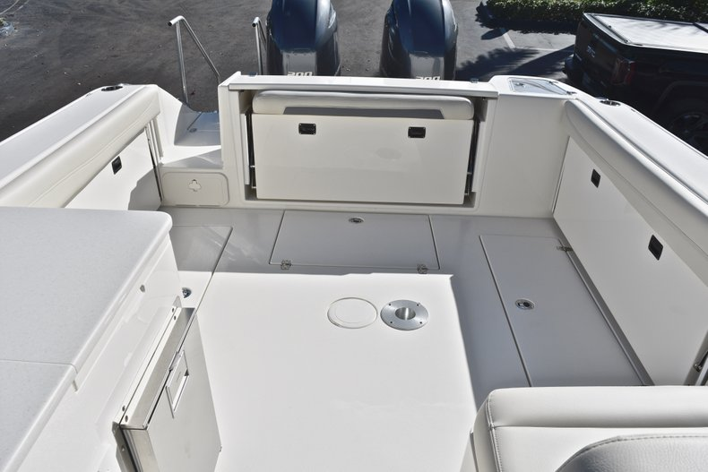 Thumbnail 10 for New 2019 Cobia 280 DC Dual Console boat for sale in West Palm Beach, FL