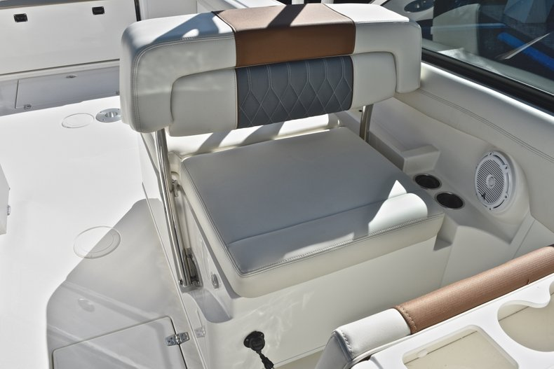 Thumbnail 29 for New 2019 Cobia 280 DC Dual Console boat for sale in West Palm Beach, FL