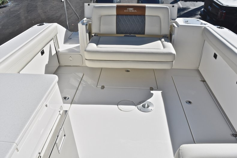 Thumbnail 14 for New 2019 Cobia 280 DC Dual Console boat for sale in West Palm Beach, FL