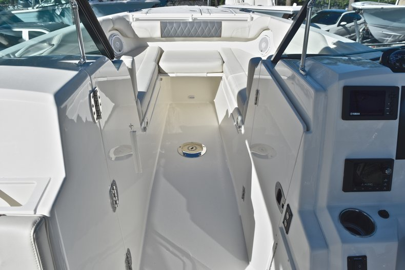 Thumbnail 57 for New 2019 Cobia 280 DC Dual Console boat for sale in West Palm Beach, FL
