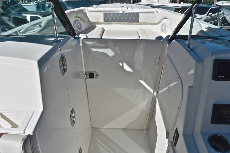 Thumbnail 53 for New 2019 Cobia 280 DC Dual Console boat for sale in West Palm Beach, FL