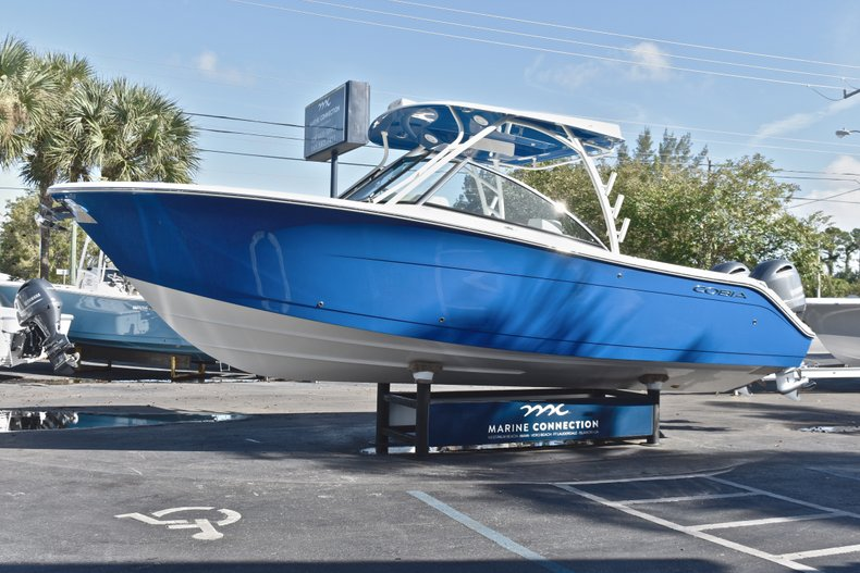 Thumbnail 4 for New 2019 Cobia 280 DC Dual Console boat for sale in West Palm Beach, FL