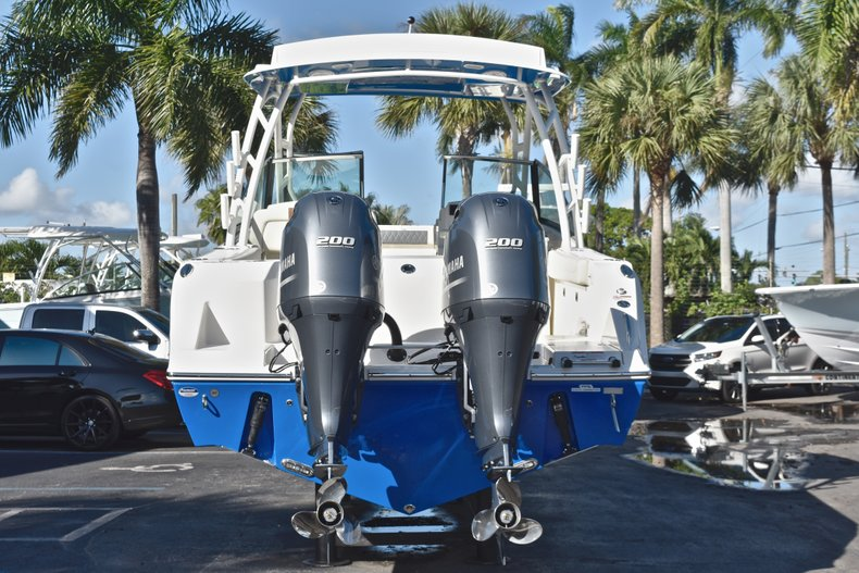 Thumbnail 7 for New 2019 Cobia 280 DC Dual Console boat for sale in West Palm Beach, FL