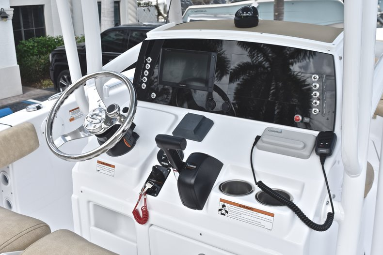 Thumbnail 15 for New 2019 Sportsman Heritage 231 Center Console boat for sale in Fort Lauderdale, FL