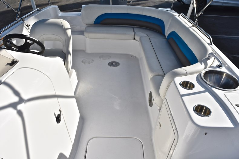 Thumbnail 14 for Used 2014 Hurricane SunDeck Sport SS 232 OB boat for sale in West Palm Beach, FL