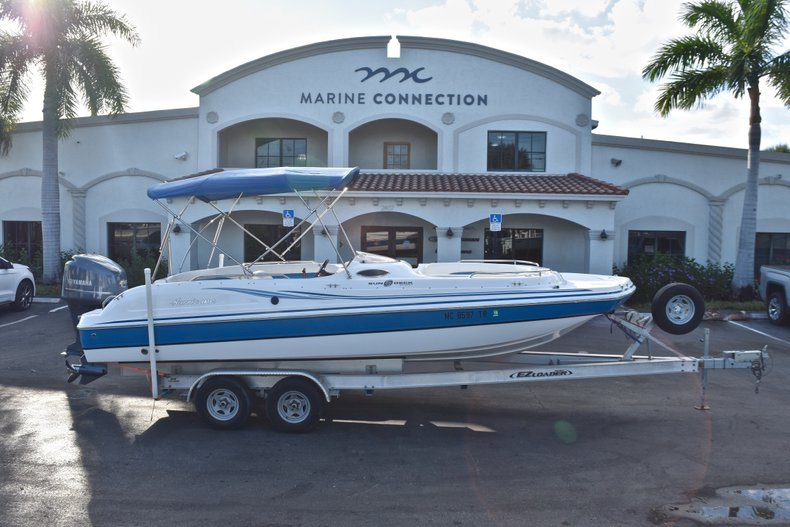 Used 2014 Hurricane SunDeck Sport SS 232 OB boat for sale in West Palm Beach, FL