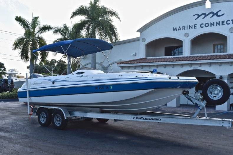 Thumbnail 1 for Used 2014 Hurricane SunDeck Sport SS 232 OB boat for sale in West Palm Beach, FL